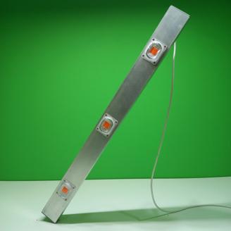 Бюджетная светодиодная лампа для освещения теплиц, парников. Светильник экономичнее натриевой лампы в больших теплицах